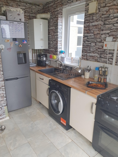 3 bed large flat