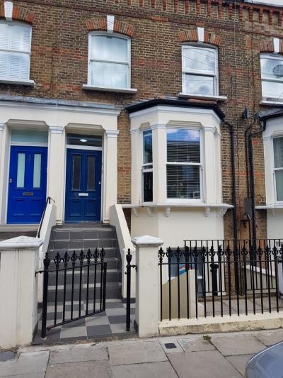 One bedroom garden flat in W9 for 2/3 bedrooms